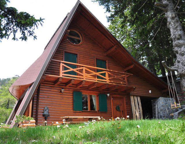 Experience magic. Chalet Alpinka Slovenia.
